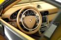 Acelerador-de-aro-al-volante-D906GV-y-freno-D907FV-en-Porsche-Carrera-4-transformado-para-conductores-con-discapacidad.jpg