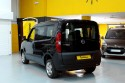 Opel-Combo-transformado-con-cajeado-trasero-para-transporte-de-persona-en-silla-de-ruedas.jpg