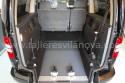 Rampa-abatible-en-Volkswagen-Caddy-Maxi-adaptado-con-cajeado-trasero.jpg
