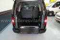 Rampa-abatida-en-Volkswagen-Caddy-Maxi-transformado-para-transportar-pasajero-en-silla-de-ruedas.jpg