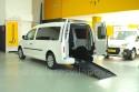 Rampa-de-acceso-en-Volkswagen-Caddy-Maxi-transformado-con-cajeado-trasero.jpg