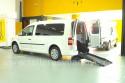 Rampa-de-dos-tramos-en-Volkswagen-Caddy-Maxi-transformado-con-cajeado-trasero.jpg