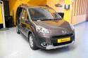 Vista-frontal-Peugeot-Partner-transformado-con-rebaje-de-piso.jpg
