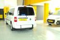 Vista-trasera-de-Volkswagen-Caddy-Maxi-transformado-con-rebaje-de-piso.jpg