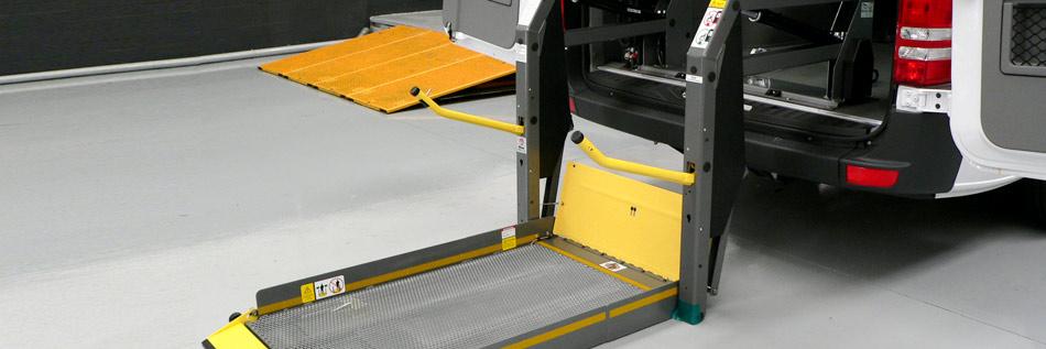 Adaptaci n realizada plataforma elevadora para silla de for Plataforma para silla de ruedas